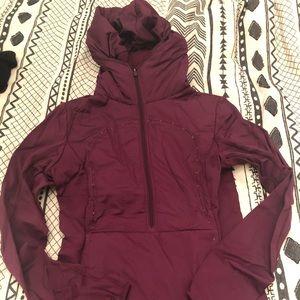 Lululemon burgundy running pullover - size 6